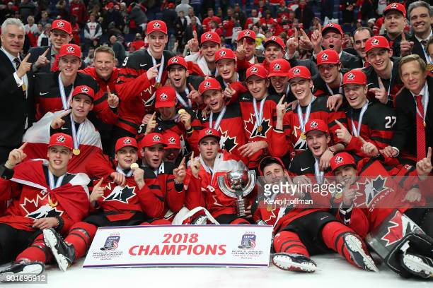 Team Canada poses after beating Sweden in the Gold medal game of the IIHF World Junior Championship at KeyBank Center on January 5 2018 in Buffalo...