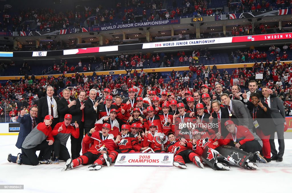 Team Canada poses after beating Sweden in the Gold medal game of the IIHF World Junior Championship at KeyBank Center on January 5, 2018 in Buffalo, New York. Canada beat Sweden 3-1.