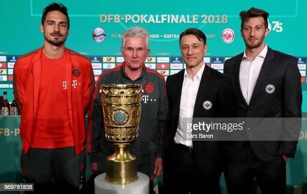 Team captain of FC Bayern Muenchen Mats Hummels Head coach of Bayern Muenchen Josef Heynckes head coach of Eintracht Frankfurt Niko Kovac and team...