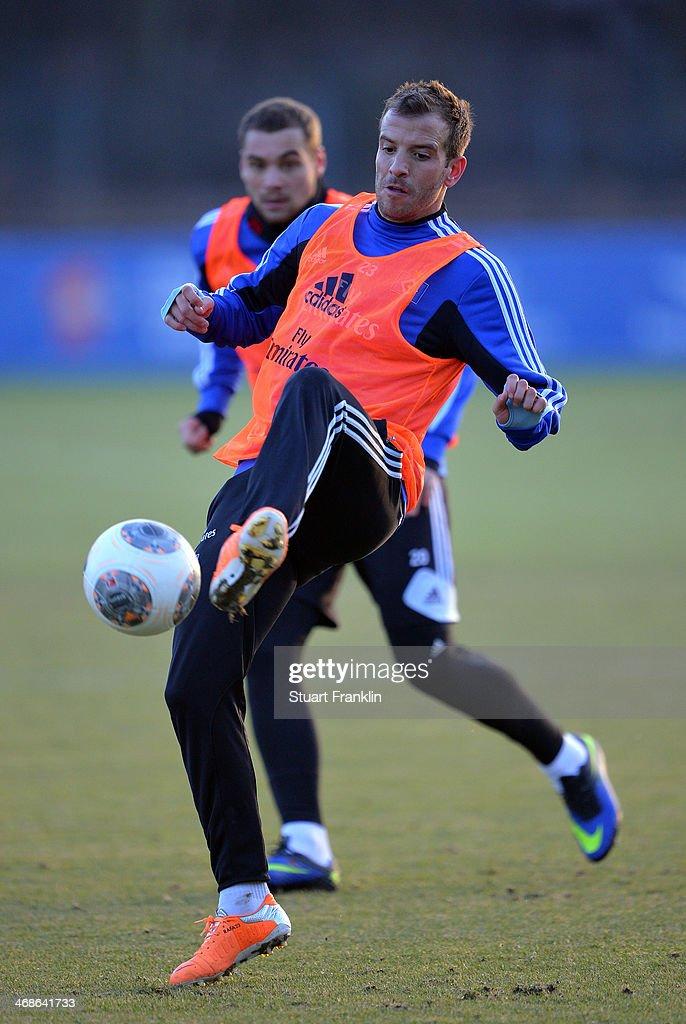 Team captain Rafael van der Vaart in action during the training session of Hamburger SV on February 11, 2014 in Hamburg, Germany.