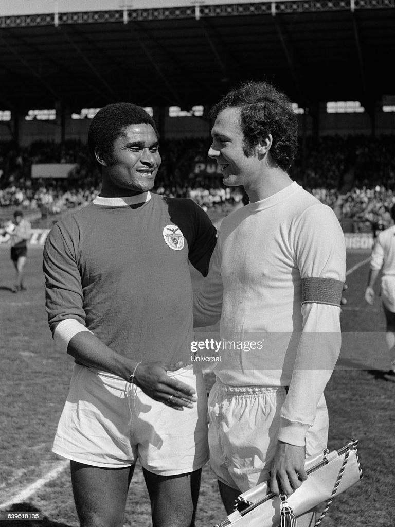 Soccer - Eusebio and Franz Beckenbauer : News Photo