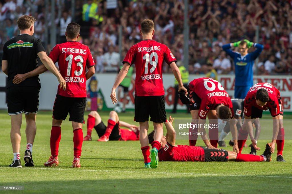 SCF team celebrates the win during the Bundesliga match between Sport-Club Freiburg and FC Augsburg at Schwarzwald-Stadion on May 12, 2018 in Freiburg im Breisgau, Germany.