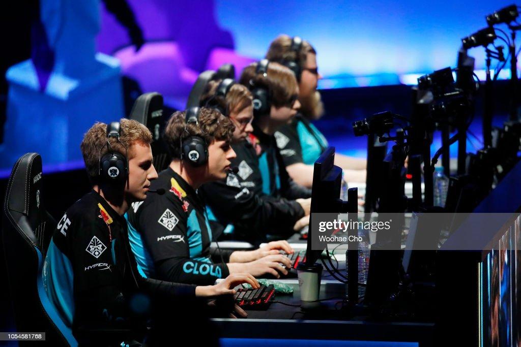 2018 League of Legends World Championship - Semifinals : ニュース写真