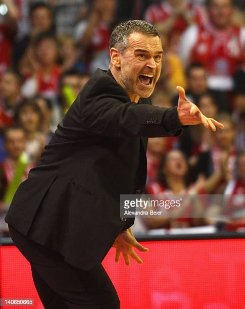 Team coach Dirk Bauermann of Bayern Muenchen shouts out during the basketball Bundesliga match between FC Bayern Muenchen and Artland Dragons at Audi...
