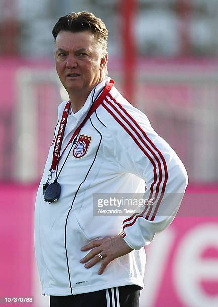 Team coach Louis van Gaal looks on during a training session of Bayern Muenchen ahead of the Champions League Group E match against FC Basel on...