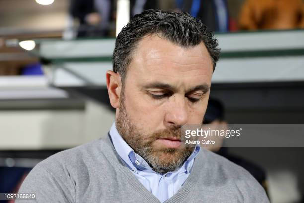 Team coach Sergio Gonzalez Soriano of Valladolid during the La Liga match between SD Huesca and Valladolid at El Alcoraz on February 1 2019 in Huesca...
