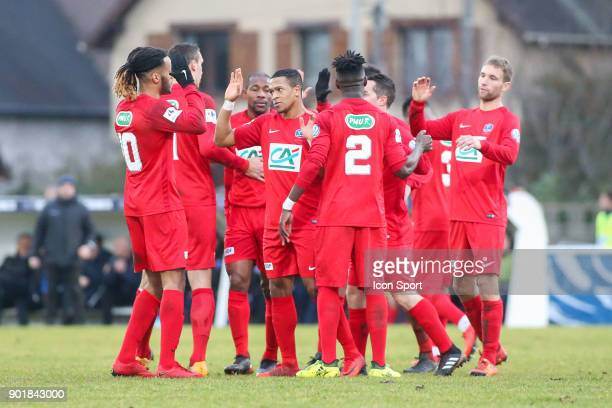 Team Concarneau celebrates after the goal of Said Id Azza during the french National Cup match between Houilles and Concarneau on January 6 2018 in...