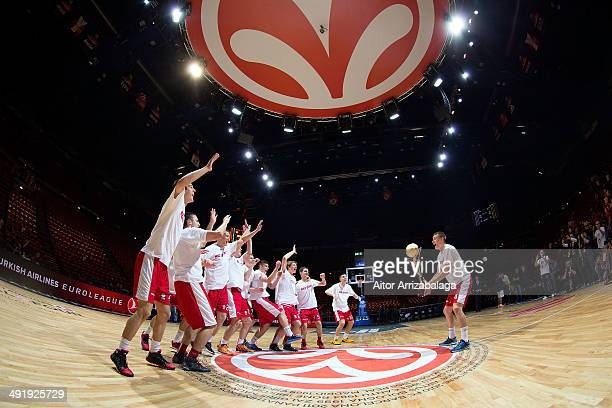 Team Crvena Zvezda TelekomcoBelgrade celebrate in the Nike International Junior Tournament game between Crvena Zvezda Belgrade vs Real Madrid at...