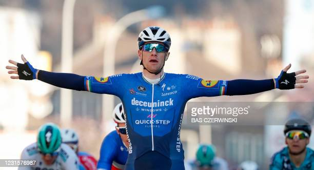 Team Deceuninck rider Ireland's Sam Bennett celebrates as he crosses the finish line at the end of the 1st stage of the 79th Paris - Nice cycling...