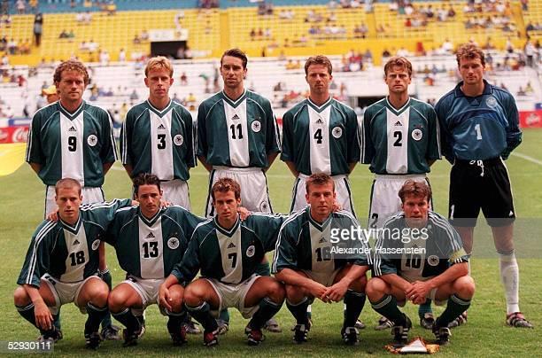 Laenderspiel 1999 Koenfoederations Cup Guadalajara GER NZL 20 Team Deutschland/DFB Nationalmannschaft hintere Reihe vlks Olaf MARSCHALL Joerg...