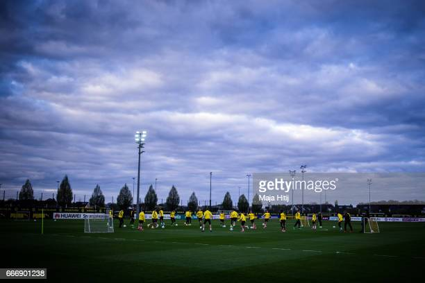 Team Dortmund during a training prior the UEFA Champions League Quarter Final First Leg match between Borussia Dortmund and AS Monaco on April 10...