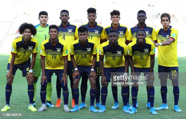 Team Ecuador pose for a group photo during the FIFA U17 World Cup Brazil 2019 round of 16 match between Ecuador and Italy at Estadio Kleber Andrade...