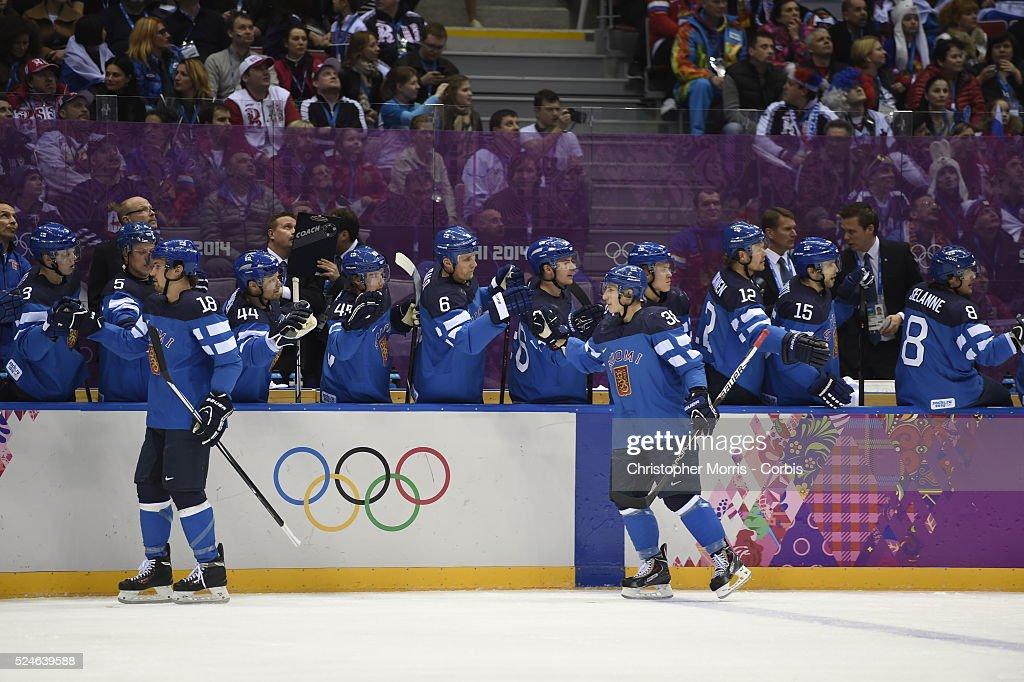 Sochi 2014- Mens hockey- Russia vs. Finland : News Photo