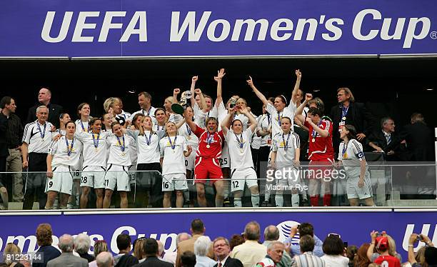 Team Frankfurt raises the trophy after winning 32 the second leg UEFA Women's Cup final match between FFC Frankfurt and Umea IK at the...