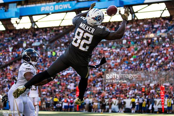 Team Irvin tight end Delanie Walker of the Tennessee Titans fails to catch a pass during the second half of the 2016 NFL Pro Bowl at Aloha Stadium on...