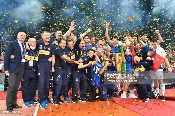 Team Italy celebrates victory during CEV European Championship Eurovolley 2021 Gold Medal match between Slovenia and Italy at Spodek Arena on...