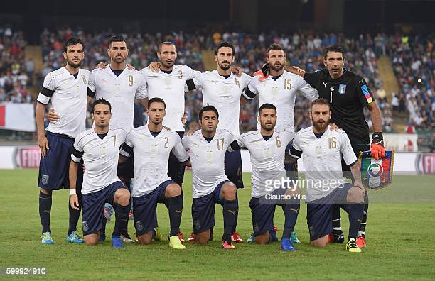Team Italy poses prior to the international friendly match between Italy and France at Stadio San Nicola on September 1 2016 in Bari Italy