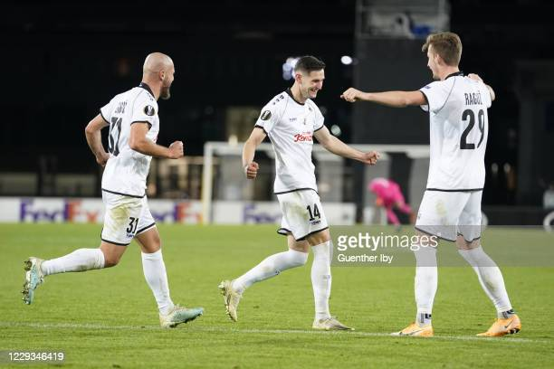 Team LASK celebrates the goal to 4:1 during the UEFA Europa League group J match between LASK and Ludogorets Razgrad at Raiffeisen Arena on October...