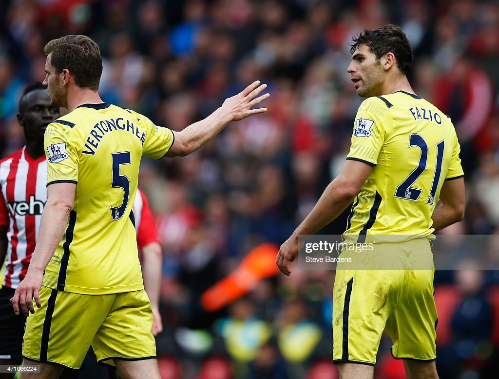 Southampton v Tottenham Hotspur - Premier League : News Photo