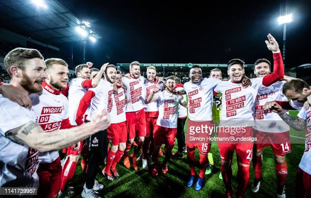 Team mates of Koeln celebrate winning after the Second Bundesliga match between SpVgg Greuther Fuerth and 1 FC Koeln at Sportpark Ronhof Thomas...