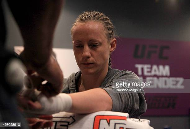 Team Melendez fighter Lisa Ellis gets her hands wrapped before facing team Pettis fighter Jessica Penne during filming of season twenty of The...
