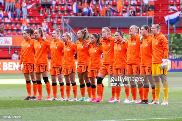 Team Netherlands, Dominique Janssen of the Netherlands, Jill Roord of the Netherlands, Sisca Folkertsma of the Netherlands, Jackie Groenen of the...