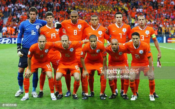 Team Netherlands pose for a team shot prior to the UEFA EURO 2008 Group C match between Netherlands and Romania at Stade de Suisse Wankdorf on June...