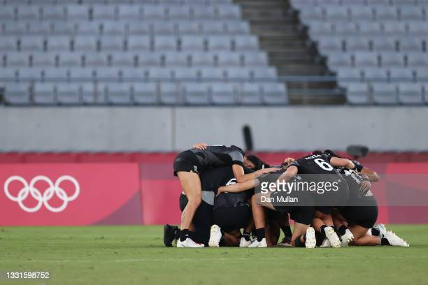 Team New Zealand celebrate after defeating Team France in the Women's Gold Medal match between Team New Zealand and Team France during the Rugby...