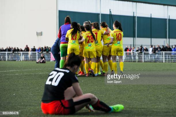 Team of Albi celebrates the win during the French Women Division 1 match between Fleury and Albi on March 11 2018 in Fleury France