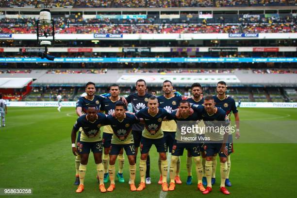 Team of America pose prior to the semifinals second leg match between America and Santos Laguna as part of the Torneo Clausura 2018 Liga MX at Azteca...