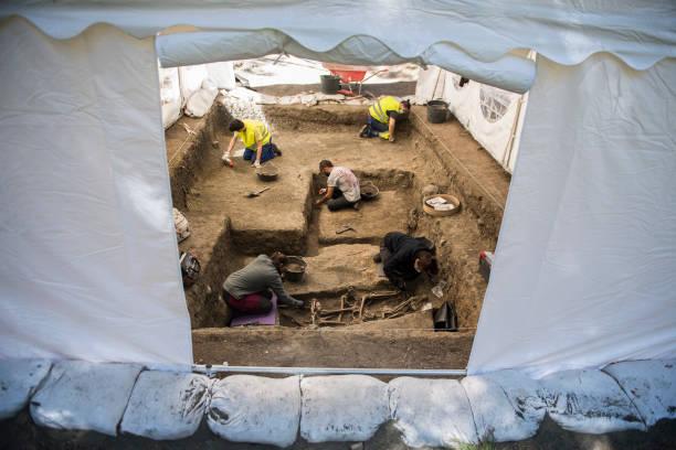 ESP: Spain's Civil War Mass Grave Exhumations Continue