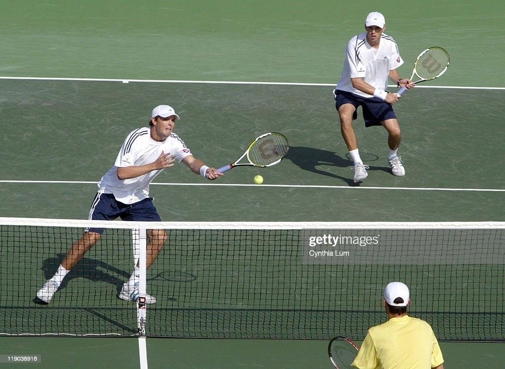 2006 Davis Cup - Doubles - Bryan/Bryan  vs Hanescu/Tecau