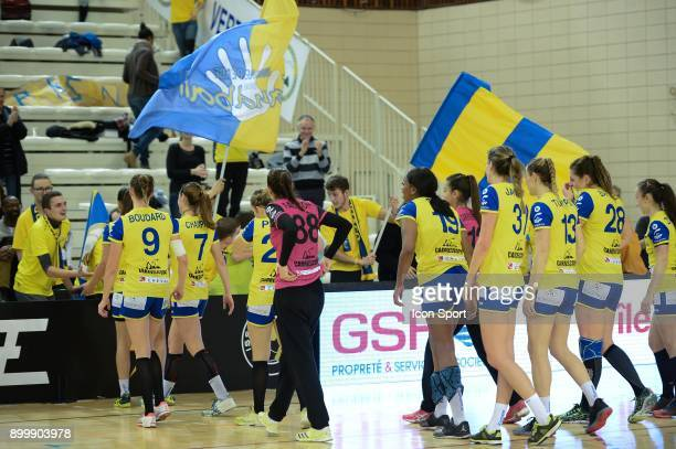Team of Bourg de Peage celebrates during the Women's French League match between Issy Paris and Bourg de Peage on December 30 2017 in...
