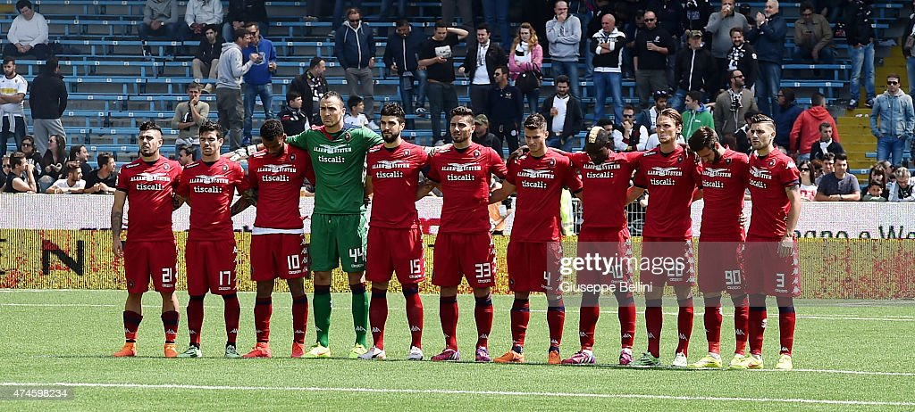 Team of Cagliari before the Serie A match between AC ...