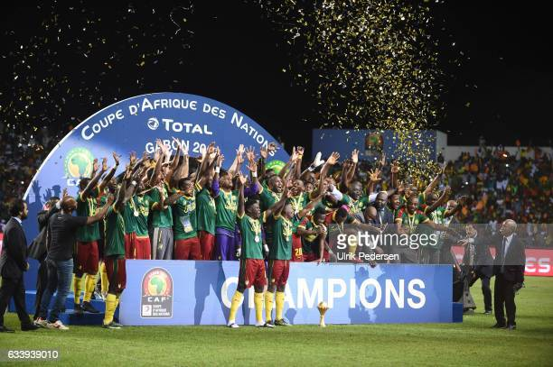 Team of Cameroon celebrates the victory during the African Nations Cup Final match between Cameroon and Egypt at Stade de L'Amitie on February 5 2017...