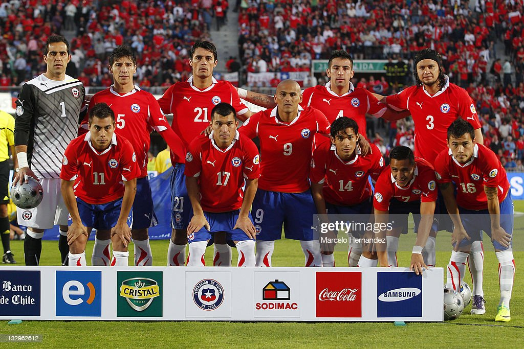 Team of Chile pose for a photo, during the match between Chile and Paraguay as part of the South American Qualifiers for Brazil 2014 FIFA World Cup on November 15, 2011 in Santiago, Chile.