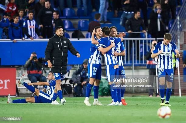 Team of Deportivo Alaves celebrates the victory against Real Madrid CF during the La Liga match between Deportivo Alaves and Real Madrid CF at...
