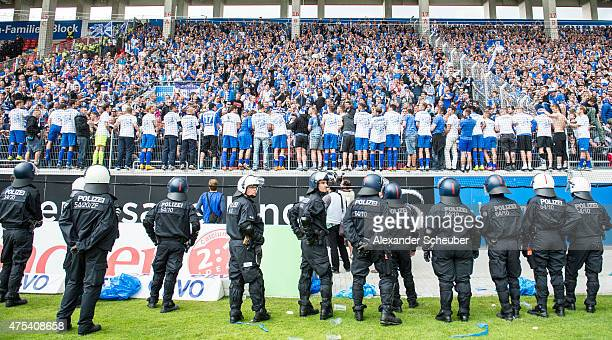 team of fc magdeburg celebrates during the Regionalliga Playoff match between Kickers Offenbach and 1 FC Magdeburg at SpardaBankHessenStadion on May...