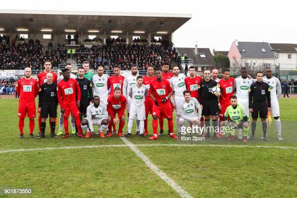 Team of Houilles and Concarneau during the french National Cup match between Houilles and Concarneau on January 6 2018 in Houilles France