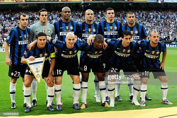 Team of Inter Milan before the UEFA Champions League Final match between FC Bayern Muenchen and Inter Milan at Bernabeu on May 22 2010 in Madrid Spain