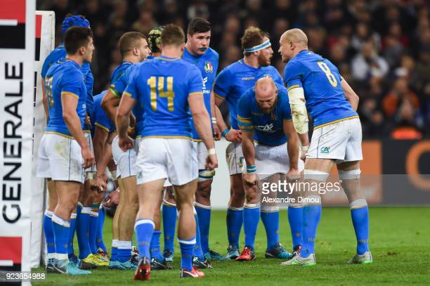 Team of Italy looks dejected during the NatWest Six Nations match between France and Italy at Stade Velodrome on February 23 2018 in Marseille France