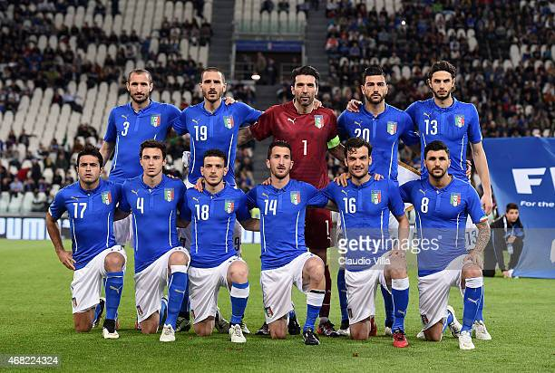Team of Italy poses prior to the international friendly match between Italy and England at the Juventus Stadium on March 31 2015 in Turin Italy