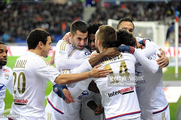 Team of Lyon celebrate Rachid Ghezzal's goal during the French Ligue 1 match between Olympique Lyonnais v EA Guingamp at Stade des Lumieres on March...