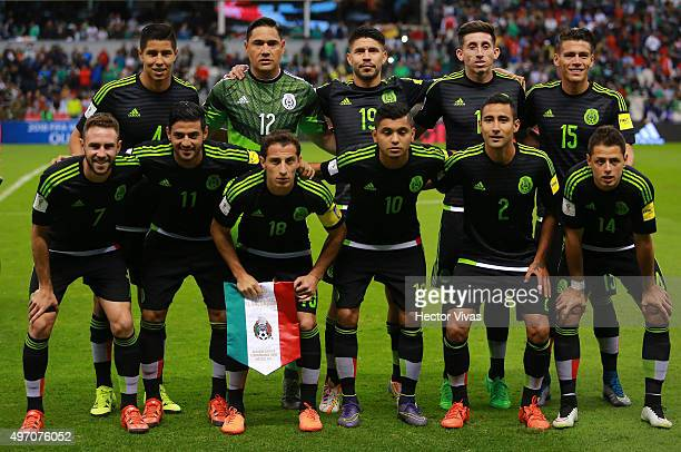 Team of Mexico poses prior the match between Mexico and El Salvador as part of the 2018 FIFA World Cup Qualifiers at Azteca Stadium on November 13...