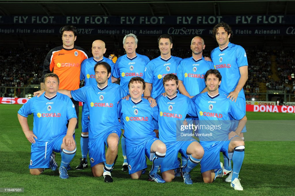 Team of Nazionale Cantanti pose during the XIX Partita Del Cuore charity football game at on May 25, 2010 in Modena, Italy.