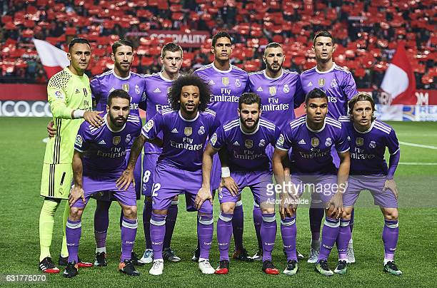 Team of Real Madrid CF pose for a picture during the La Liga match between Sevilla FC and Real Madrid CF at Estadio Ramon Sanchez Pizjuan on January...