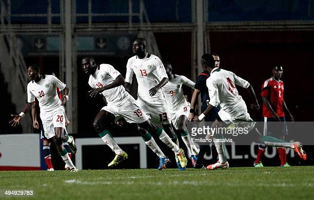 Team of Senegal celebrate the second goal of their team during the International Friendly match between Colombia and Senegal at Pedro Bidegain...