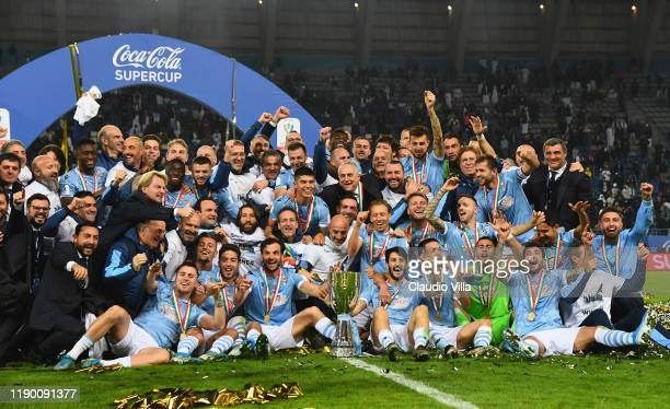Team of SS Lazio celebrate the victory of the Italian Supercup after the Italian Supercup final match between Juventus and SS Lazio at King Saud...