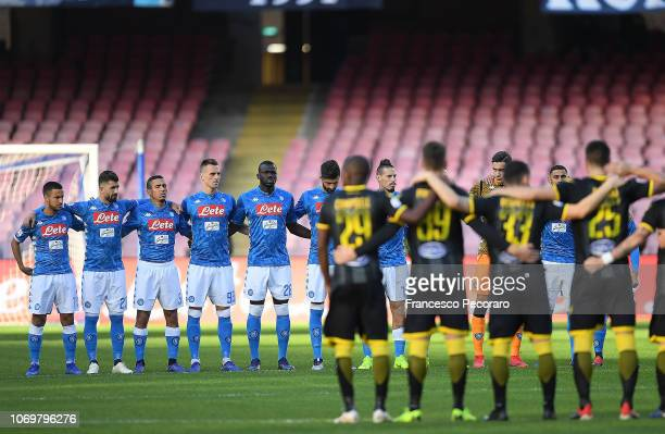 Team of SSC Napoli observe a minute of silence in memory of Luigi Radice before the Serie A match between SSC Napoli and Frosinone Calcio at Stadio...