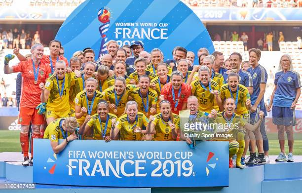 Team of Sweden celebrate the third place after winning the match during the 2019 FIFA Women's World Cup France 3rd Place Match match between England...